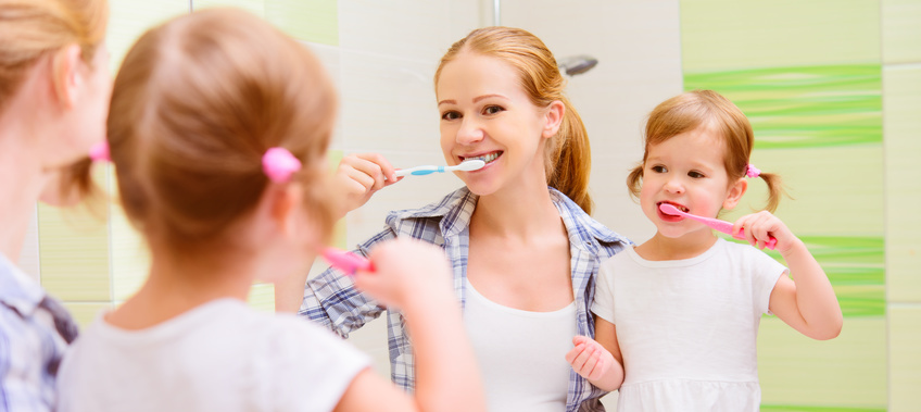 bo o zdrowe należy dbać od najmłodszych lat, najlepiej wraz z stomatologiem w Bydgoszczy
